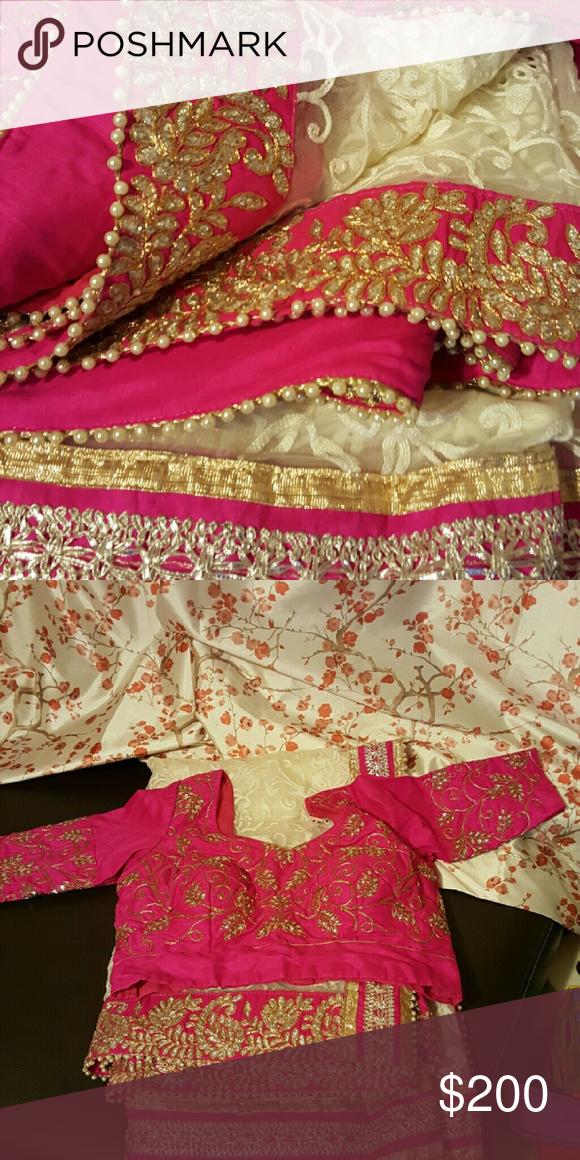 Saree/sari /salwar kameez/anarkali Saree with custom made blouse Blouse size, 40 Dresses Wedding