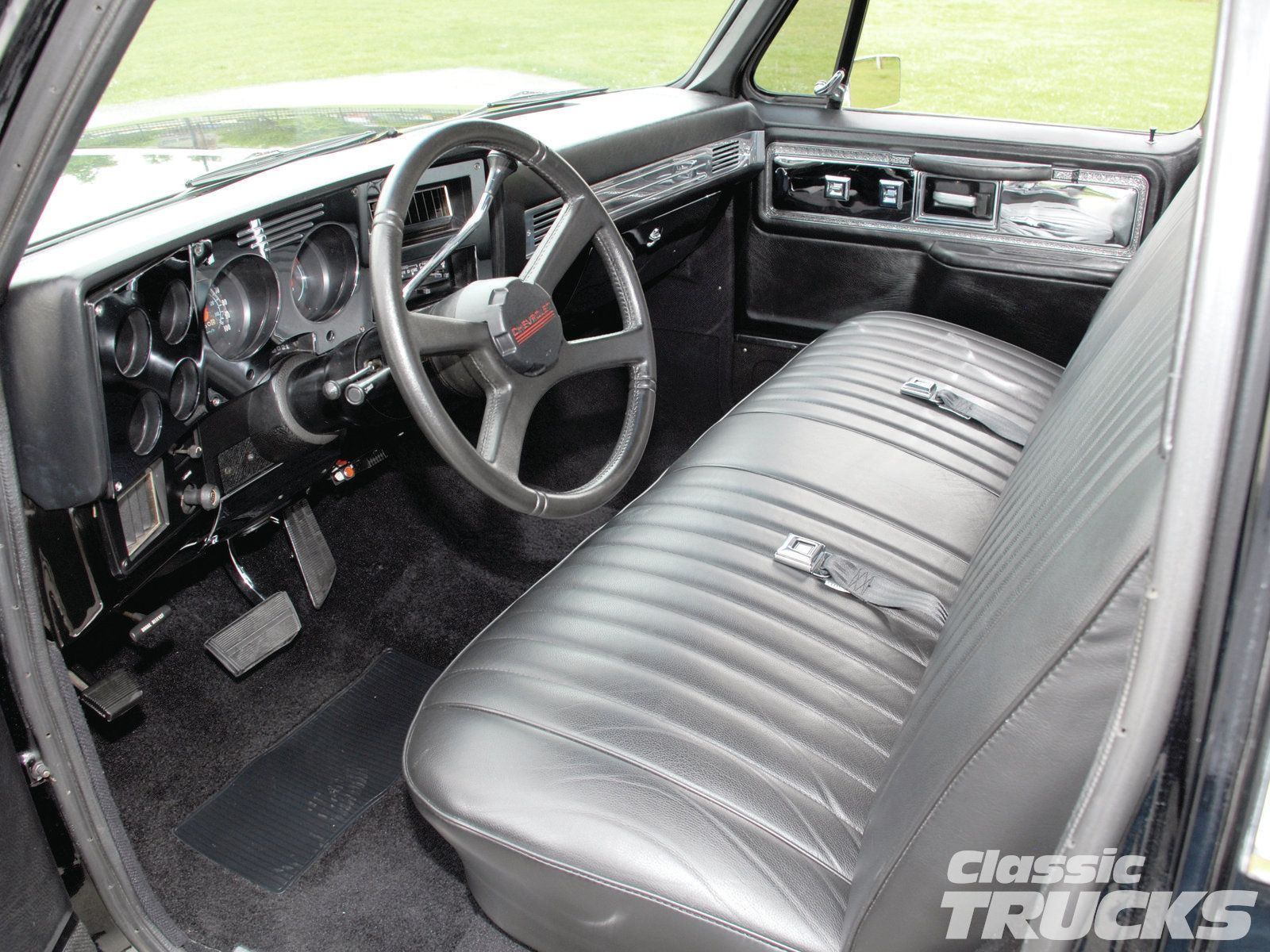 hight resolution of custom 73 87 chevy trucks previous owner didn t know how to take off the trim surround and he