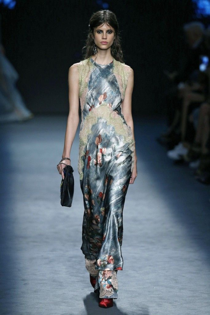 Alberta Ferretti, A-H 16/17 - L'officiel de la mode