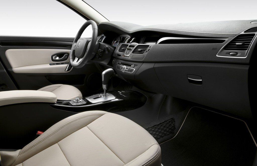 Renault laguna grandtour mk3 interior | Renault laguna mk3 | Pinterest