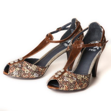 These shoes are just darling! $65.
