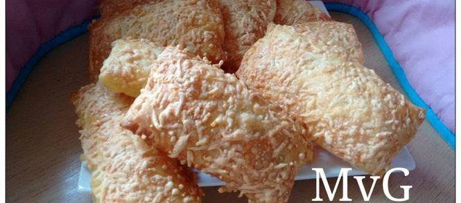 Dit broodje smaakt bijna als het broodje wat je bij de Hema koopt. Supersmeuiig en heel makkelijk om te maken