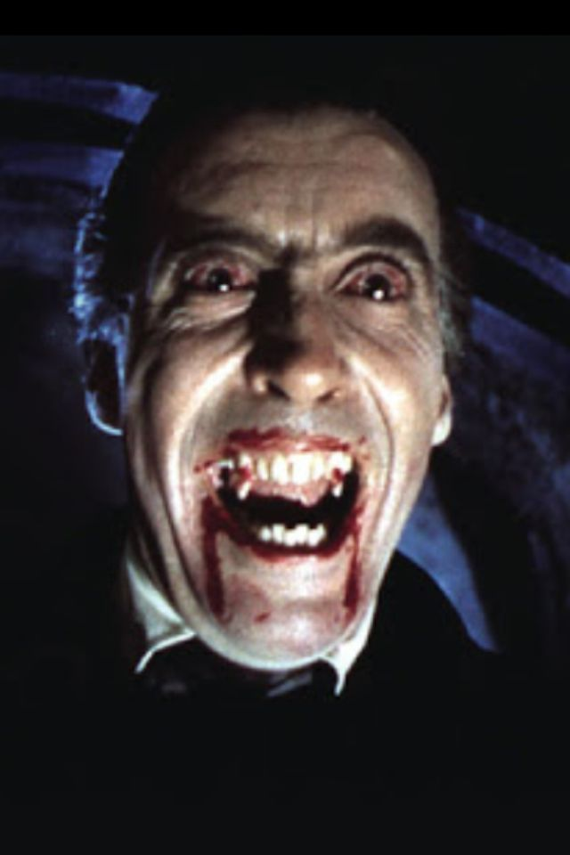 Christopher Lee como Dracula | Dracula, Classic monster ...