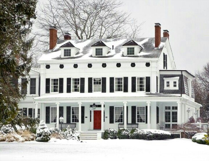 I Love Big White Houses With Red Doors House Exterior My Dream Home Dream House