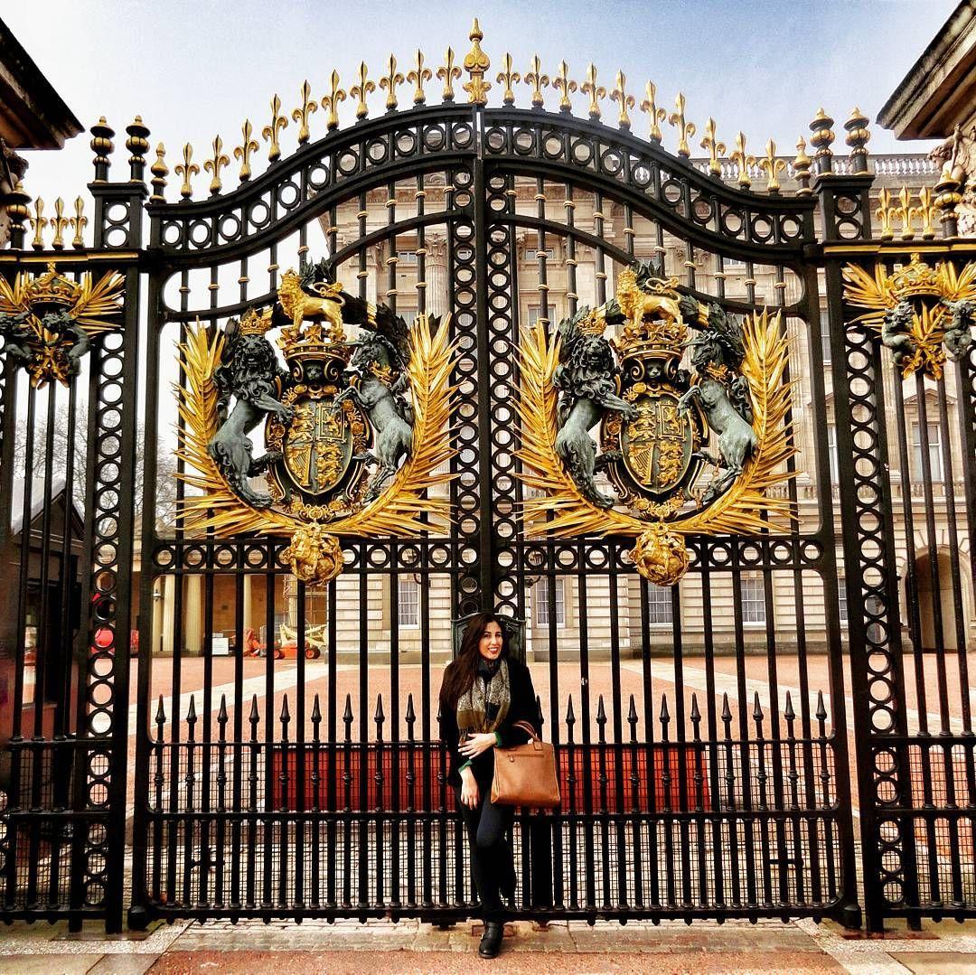 Tia Beth to te esperando no portão...  #EuroTrip #UK #London #tiabeth #meadota #dinhEUROSvoando #oBlogVoltou by pristeffens