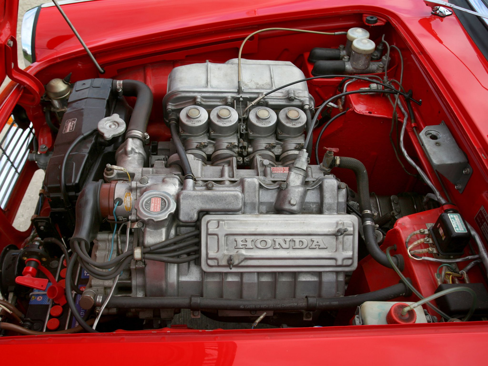 1966 Honda S 600 motor. It was a 600 cc with 4 carburetors, rpm 11000. I had one early 1970. Not many mechanics wanted to work on it back them.