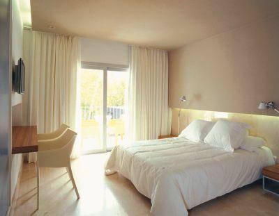 Mooie Slaapkamer Gordijnen : Mooi in de slaapkamer: gordijnen tot aan het plafond gordijnen en
