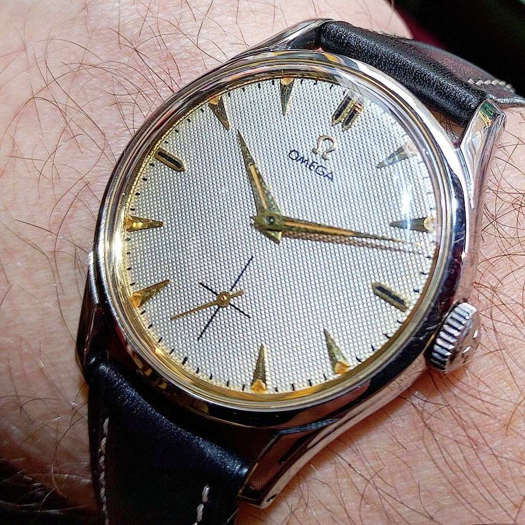 Simple but elegant omega steel caliber 266 model 2639 dated 1953. Love the  honeycomb dial and arrow baton markers. #omegawatch #omegamania #omegamad  #1953 ...