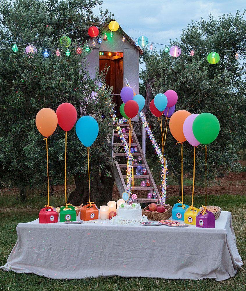 Festa di compleanno per bambini in giardino con palloncini for Alberelli per giardino