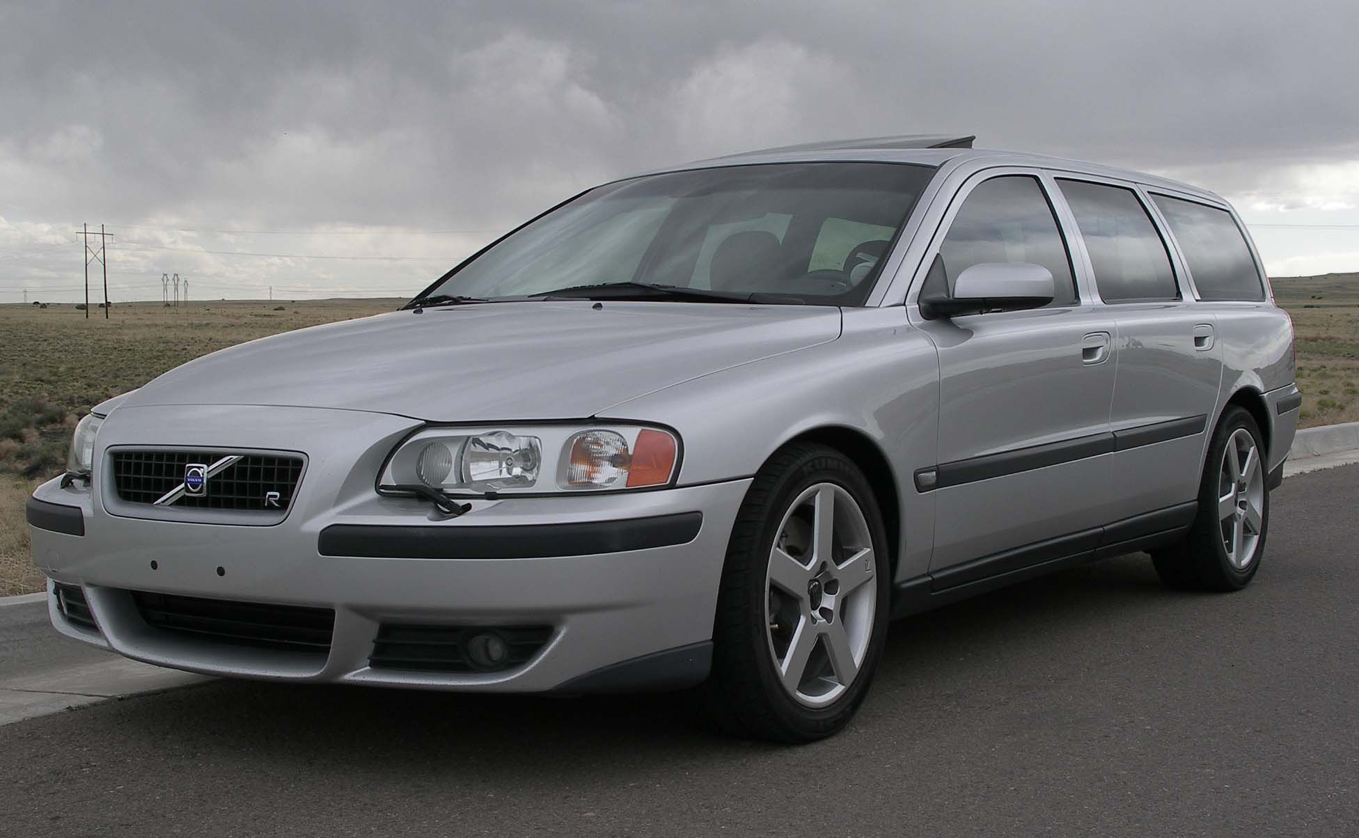 Volvo V70 R AWD Fast, awd, sleeper wagon. Boring on the outside but it's  consequentially the perfect daily driver.
