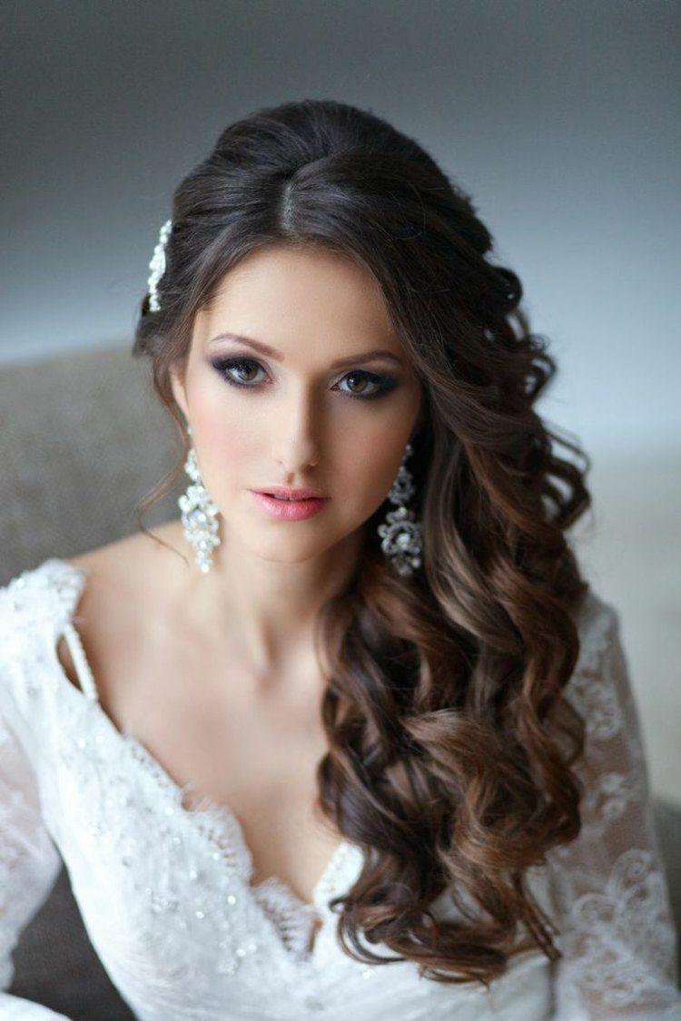 Voluminöse Locken Seitlich Gelegt Brautfrisur Pinterest
