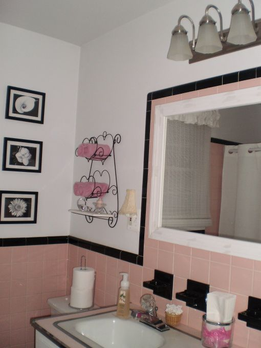 More Pink Bathrooms With Black Accents Pink Bathroom Decor Shabby Chic Bathroom Pink Bathroom Tiles