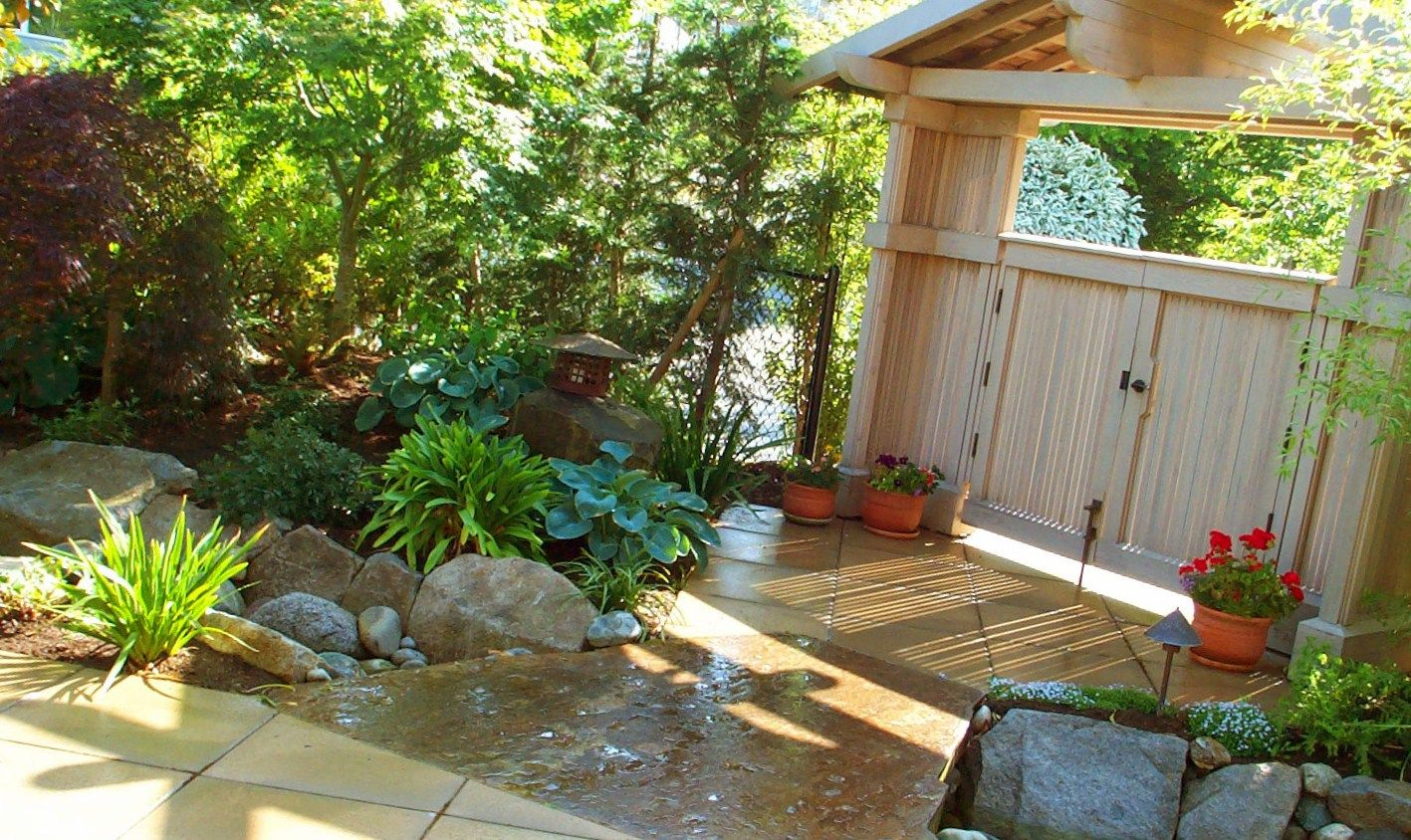 Landscaping ideas for small areas patio gardening ideas for Small area planting ideas