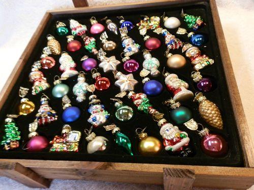 2003 THOMAS PACCONI COLLECTION 48 PIECE MINI CHRISTMAS ORNAMENTS IN WOOD BOX - 2003 Thomas Pacconi Collection 48 Piece Mini Christmas Ornaments In
