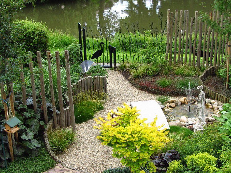 Kunst hekwerk kastanje hout vogelvriendelijke tuin for Tuinontwerpen utrecht