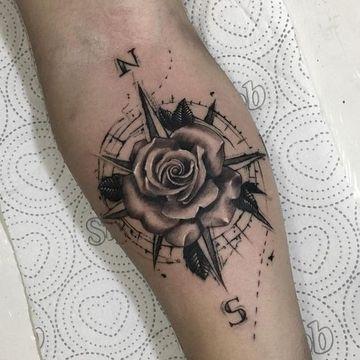 Algunos Diseños De Tatuajes De Rosa Para Hombres Tattu Pinterest
