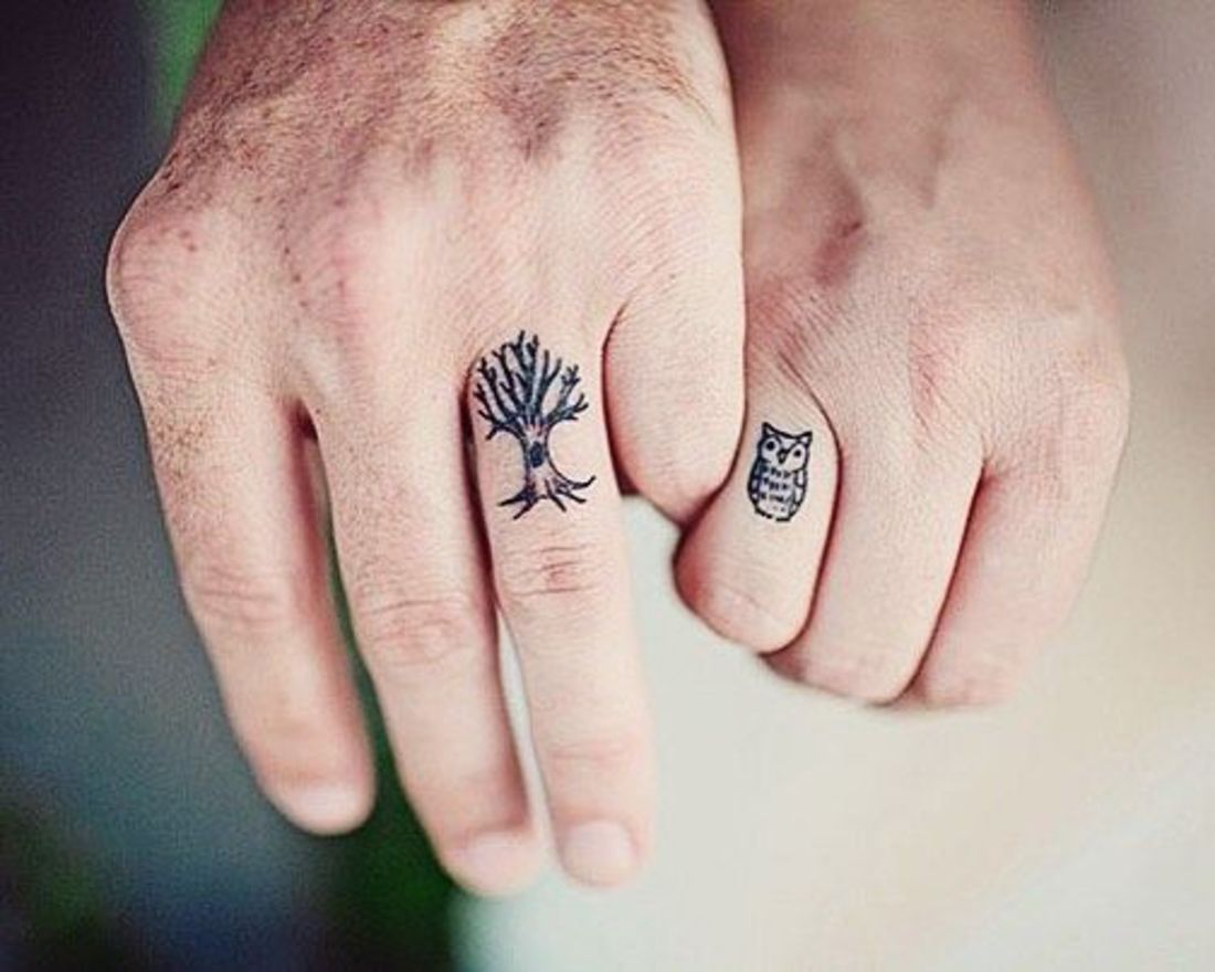 Wedding Band Tattoos Con Imagenes Tatuaje De Anillos Tatuaje