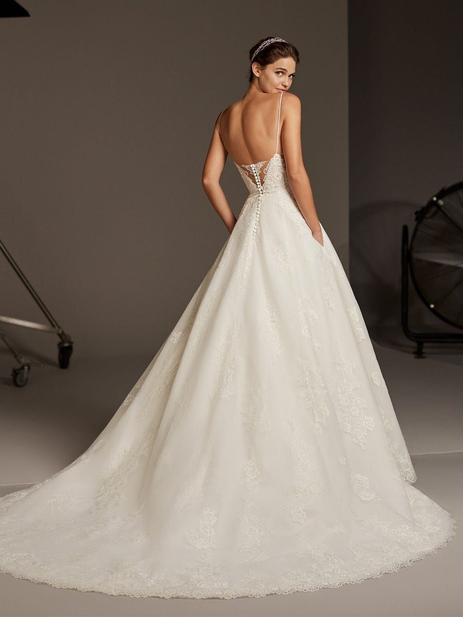 42+ Square neck wedding dress lace ideas in 2021