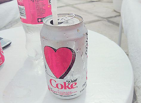 I love coke and I love that there's a heart on the can