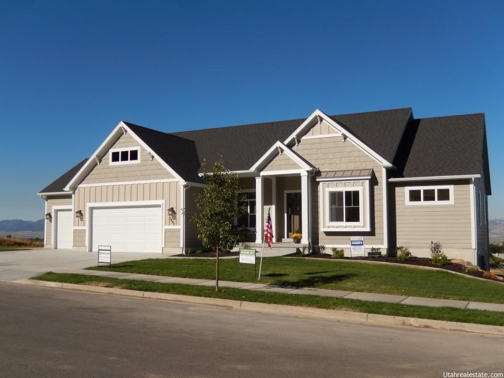 1693 Aspen Dr Logan Ut 84341 New Home Construction House Styles New Homes