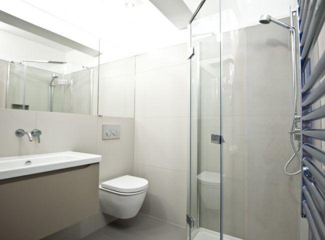 Kleines Badezimmer Modern Eckdusche Glaswande Grosse Fliesen