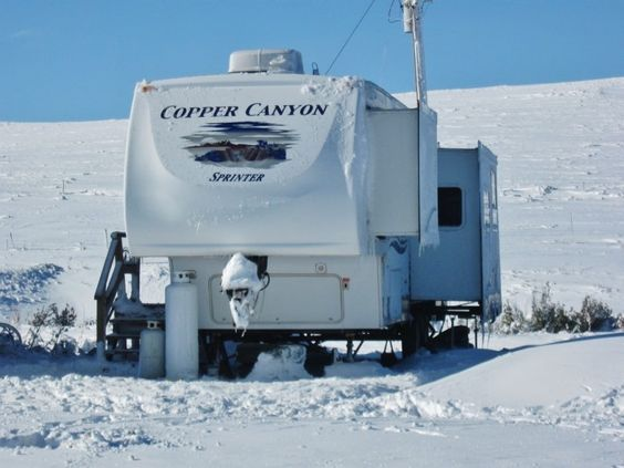 Cold Weather RVing - Tips and Tricks http://www.loveyourrv.com/tips-tricks-cold-weather-rving/