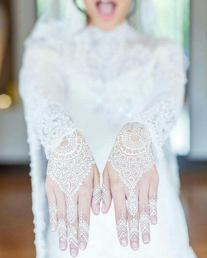 White Wedding Dress With Henna: Wedding Henna Designs, White