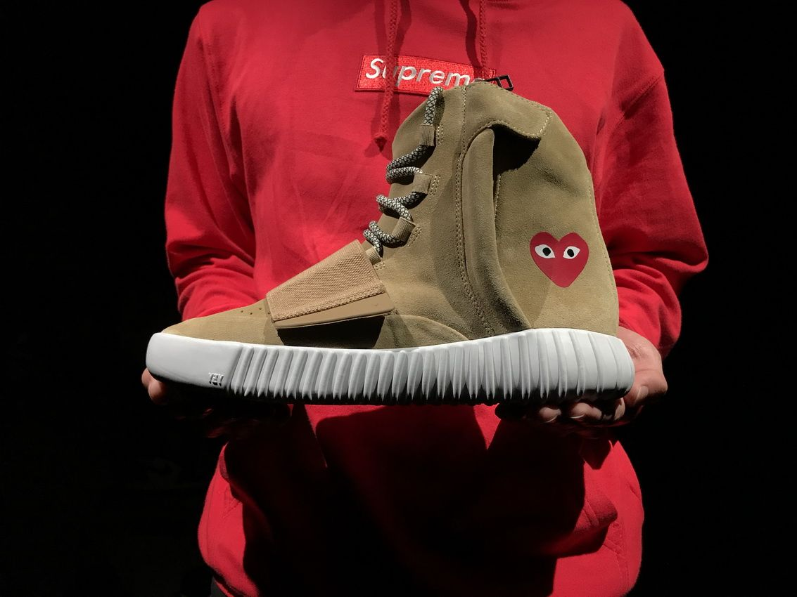 CDG x Yeezy 750 Boost Khiki Code  JW5359 Size  4.5-14(US) Liked  Send  message to me. 607217d25af2