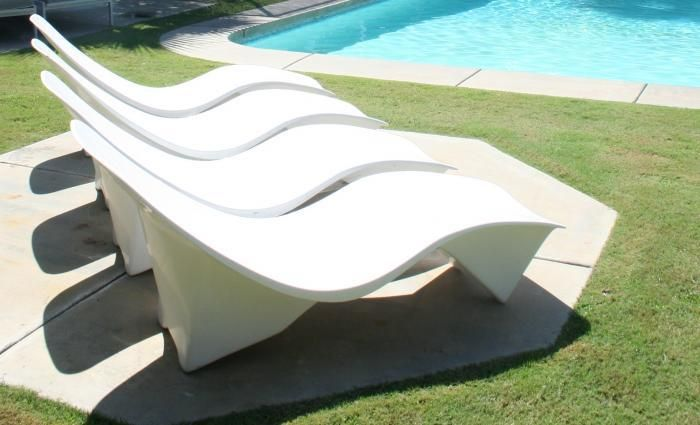 White Pool Lounge Chairs: 60's Arcitectural Sunlounger In White Fiberglass/room