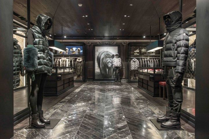 the mall moncler
