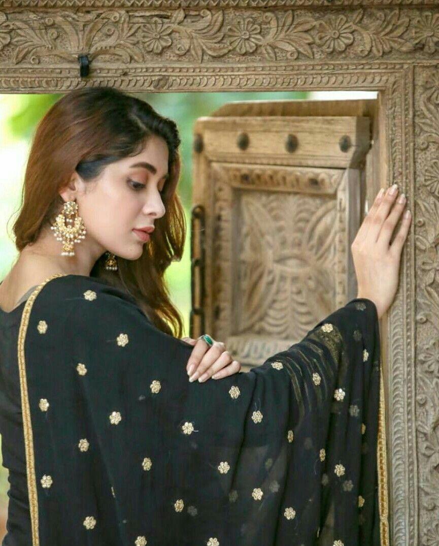 Azekah Daniel Designer Salwar Kameez Simple Pakistani Dresses Cute Girl Photo Pakistani Models