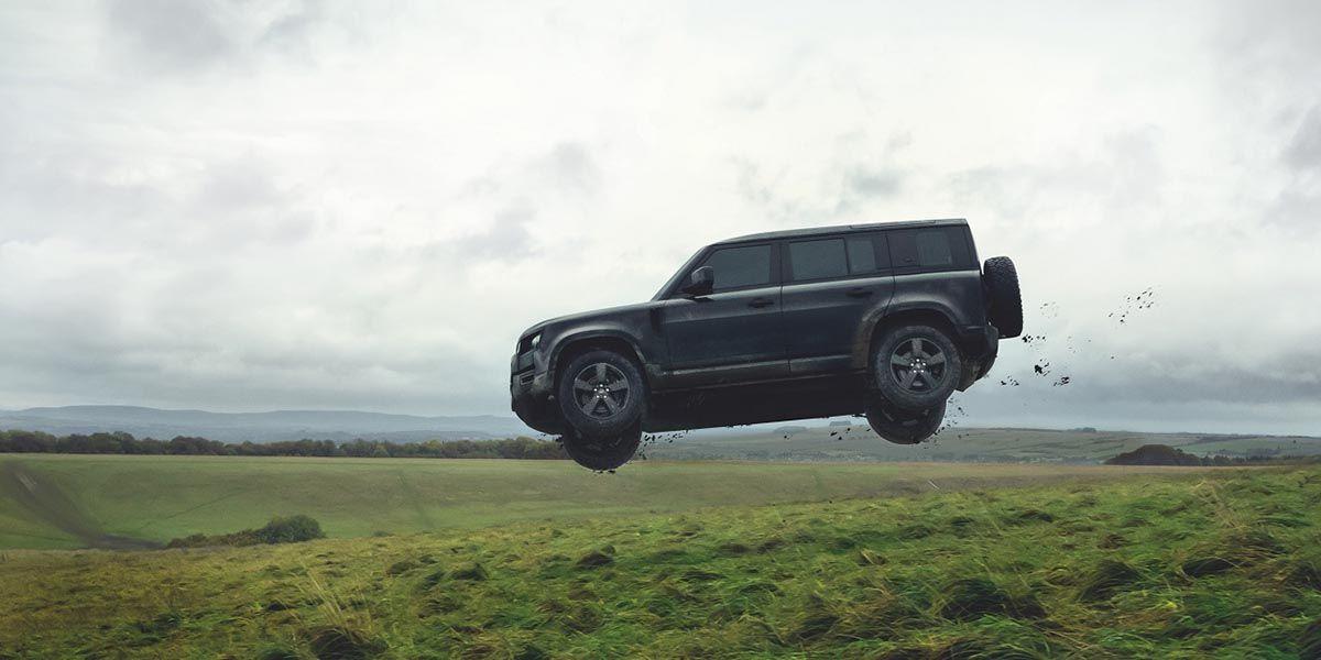 No Time To Die tiene como estrella al nuevo Land Rover