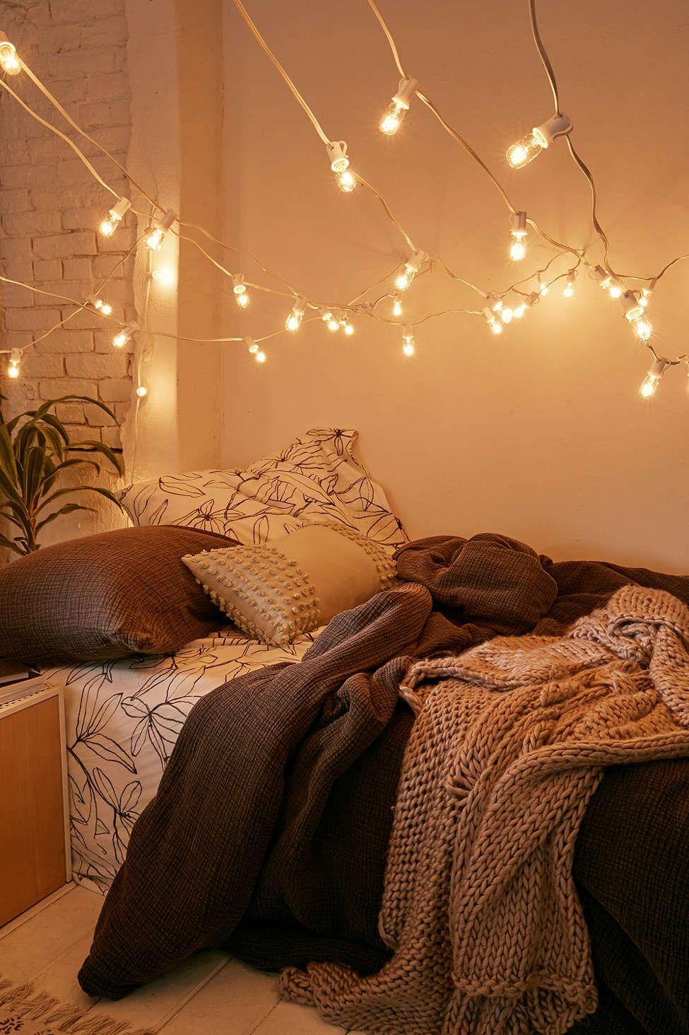mini vintage bulb string lights | #uooncampus | bedroom vintage