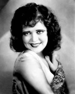 Bow324 - Clara Bow - Silent Movie Star - More at http://cine-mania.it