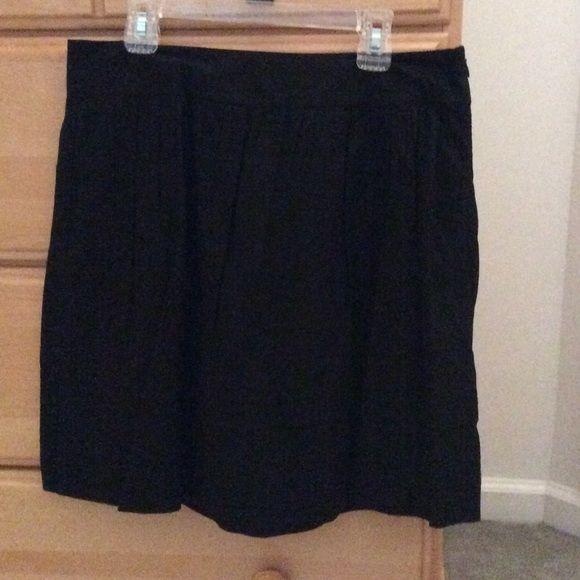 Black flirty skirt Beautiful black flirty skirt.. Lightweight Ann Taylor Skirts Mini