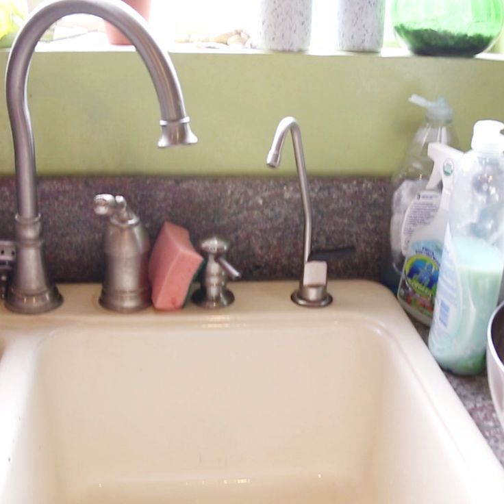 Deep Clean A Dirty Sink With This Easy Routine Chore list, Sinks