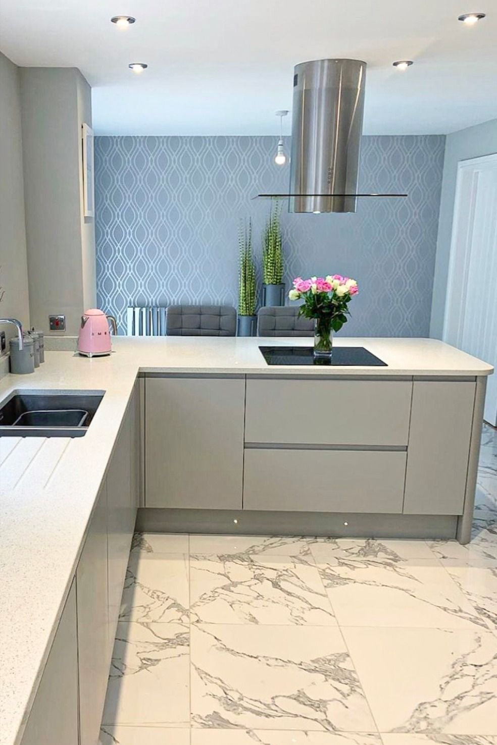 Camden Wave Wallpaper Soft Grey Silver With images ...