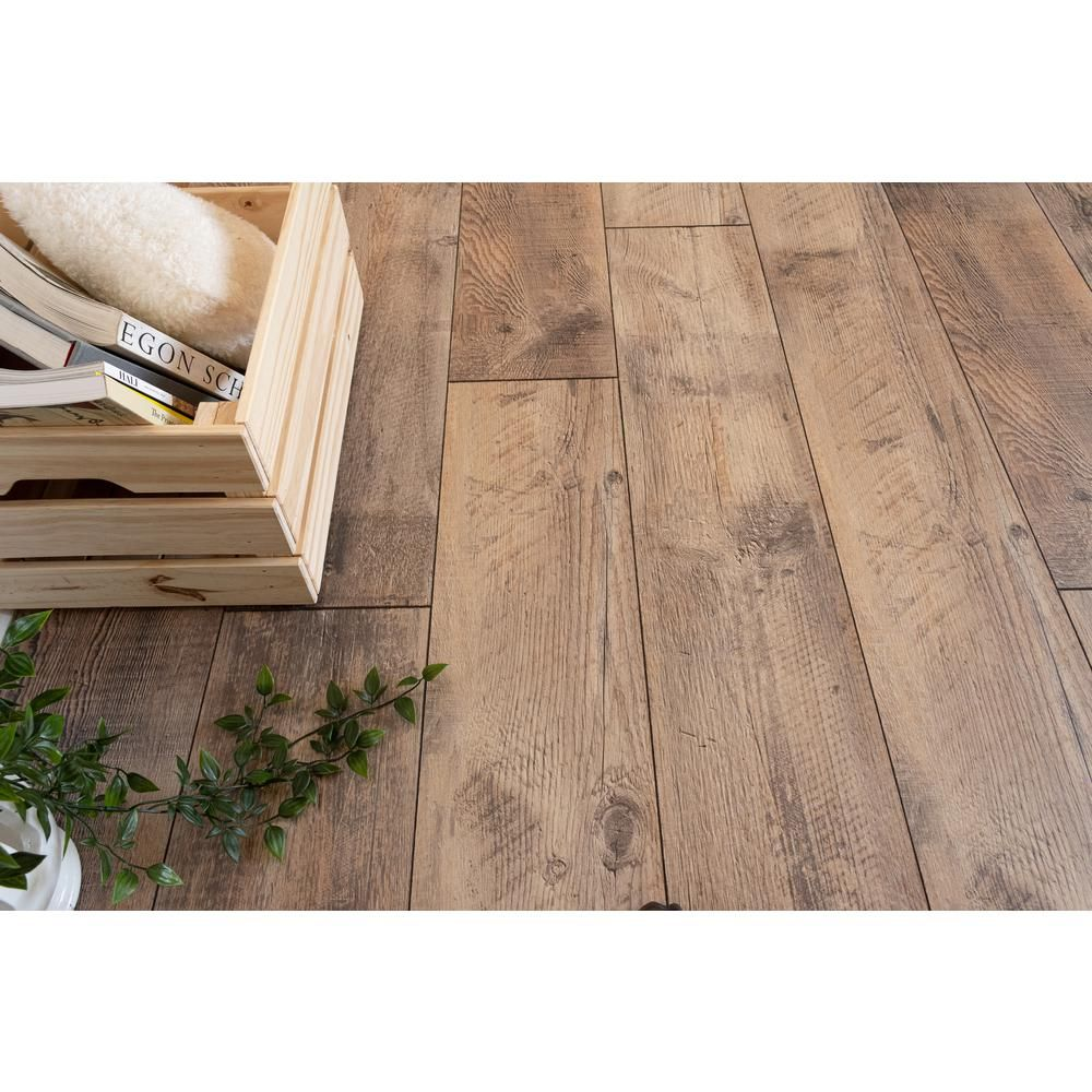 Home Decorators Collection Reedville Pine 12mm Thick X 8 03 In Wide X 47 64 In Length Laminate Flooring 15 94 In 2020 Flooring Laminate Flooring Farmhouse Flooring