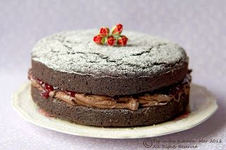 Chocolate and Beetroot Cake (gluten free, egg free, dairy free, vegan) - Pig in the Kitchen