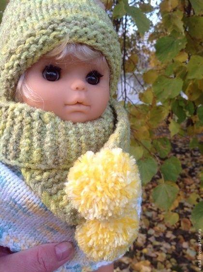 """Одежда для кукол ручной работы. Ярмарка Мастеров - ручная работа Шапочка и шарфик для куклы """"Оливковые"""". Handmade."""