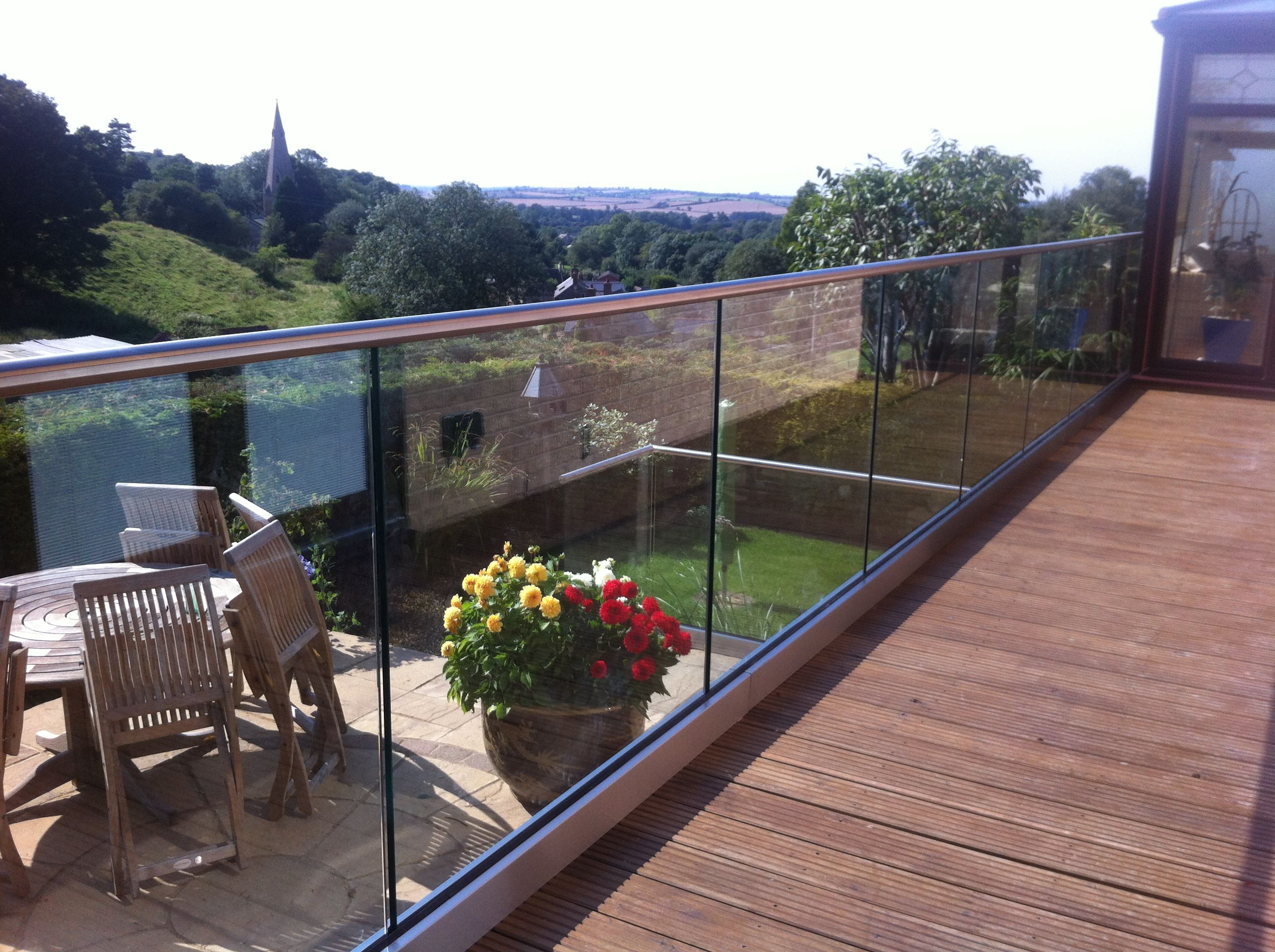 Base Fixed Aluminium U Channel With 15mm Toughened Glass