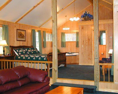 Superieur Wildwood Jacuzzi Lodge 35   Bedroom. Toledo BendCabin ...