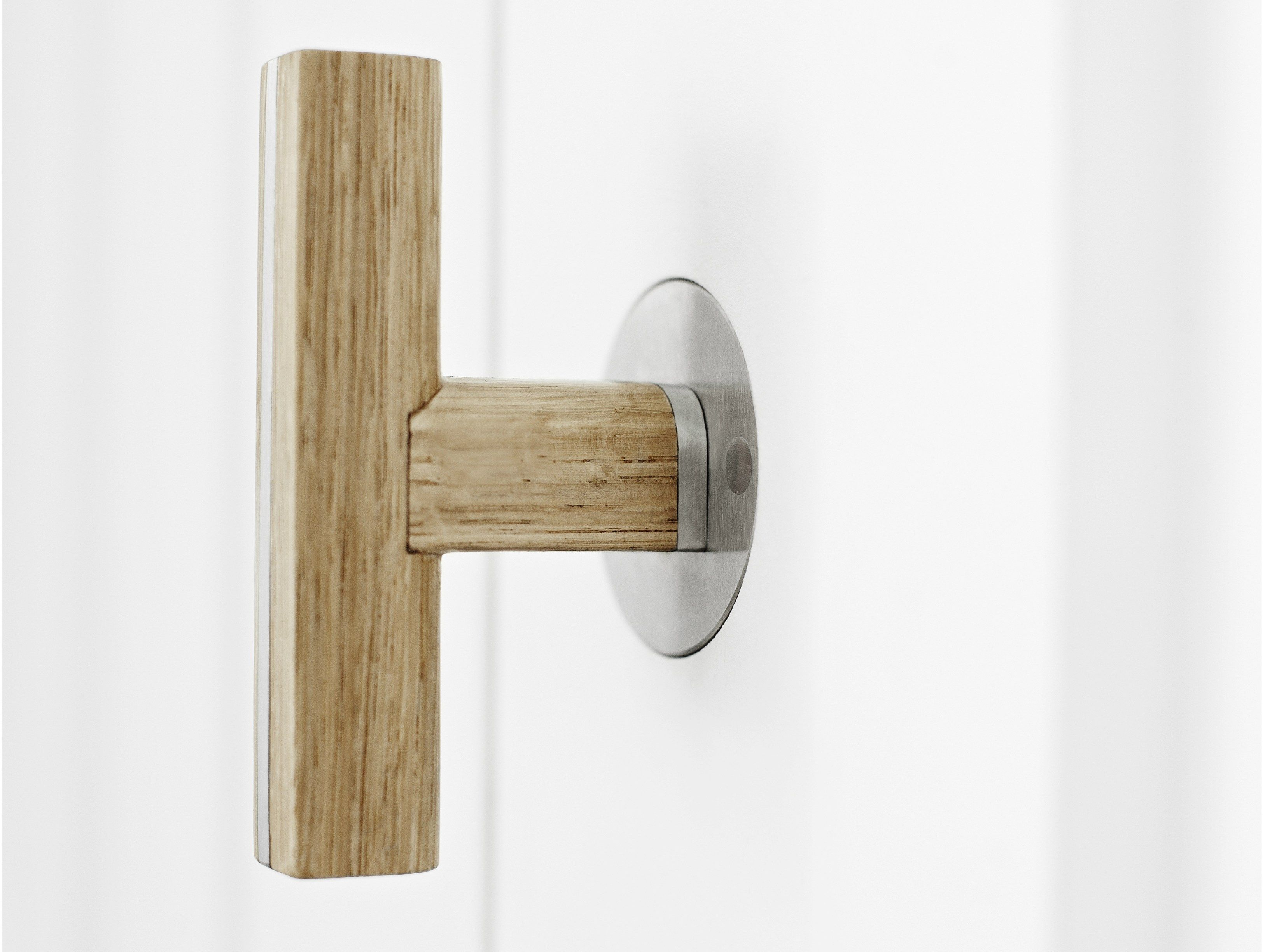 STAINLESS STEEL AND WOOD DOOR HANDLE ON ROSE TWO SERIES BY FORMANI ...