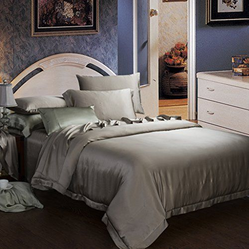 A Pretty Bedroom Is A Charming Place Like No Other Which Is Why Having Unique Bedding Sets Is Important Bed Linens Luxury Unique Bedding Sets Silk Bedding Set