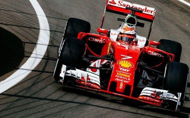 Kimi Raikkonen chiude in testa la seconda giornata di test a Silverstone Il pilota finlandese segna il miglior tempo nel secondo giorno di prove a Silverstone, ma la Ferrari non ha testato nulla di particolare. #f1 #ferrari #raikkonen #testsilverstone