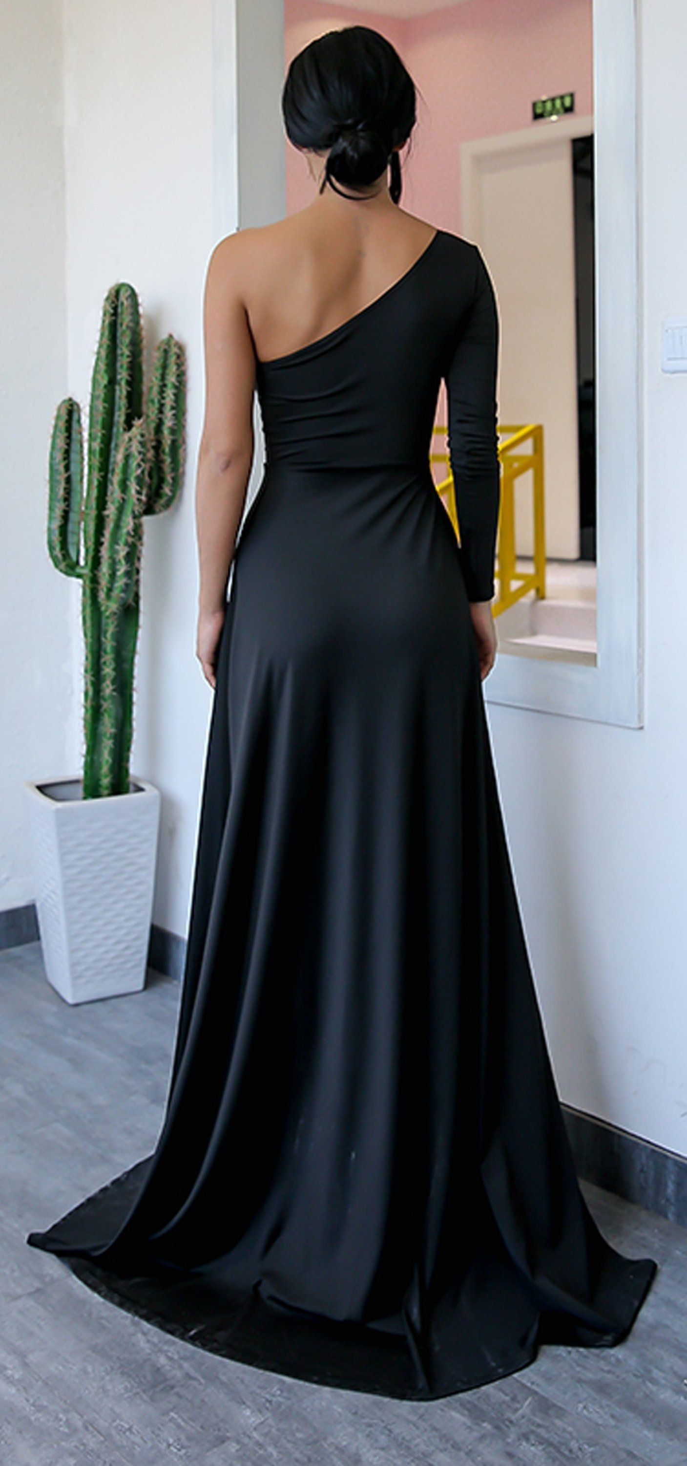 a4b342f91c83 Classy Simple Long Prom Dresses with Sleeves in Black - One off the  Shoulder Asymmetrical Tight Fitted Mermaid Maxi Gown Dress with Slit for  Graduation ...