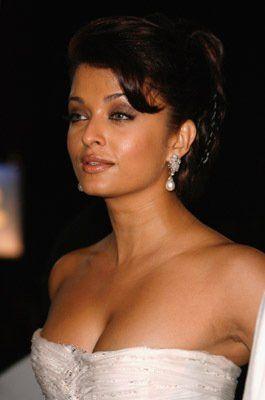 Pictures Photos Of Aishwarya Rai Bachchan Imdb Aishwarya Rai Aishwarya Rai Bachchan Indian Actresses