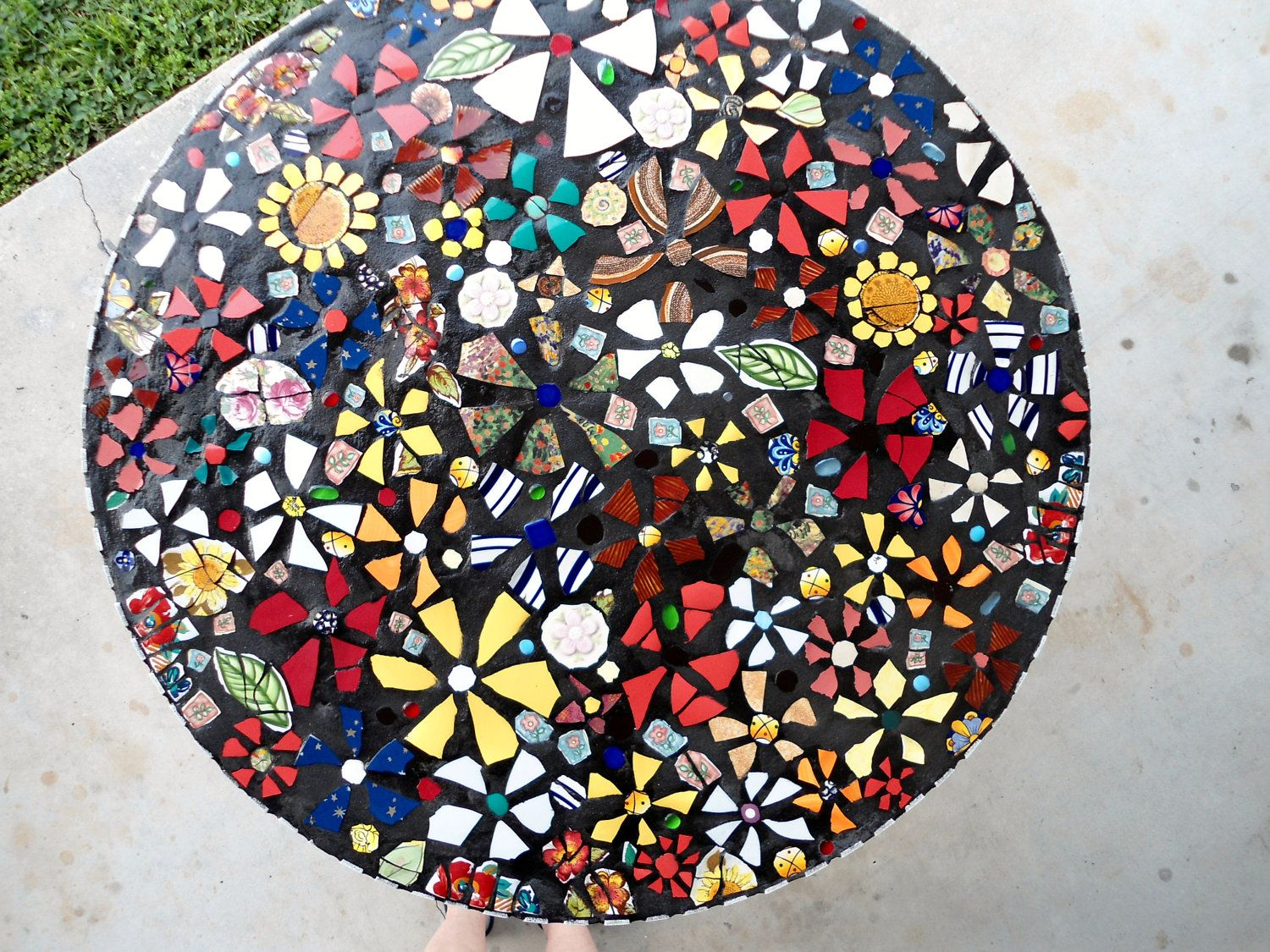 Mosaic table top miscellaneous mosaic pinterest for Mosaic coffee table designs