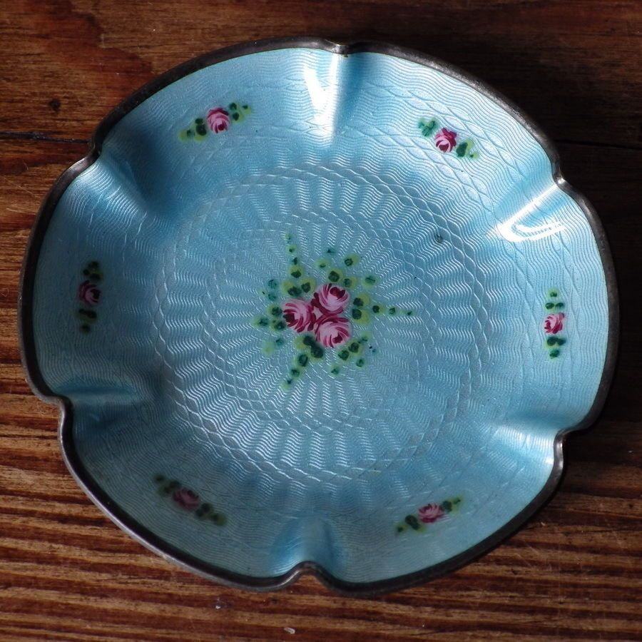 BEAUTIFUL Vintage Enamelled PIN DISH