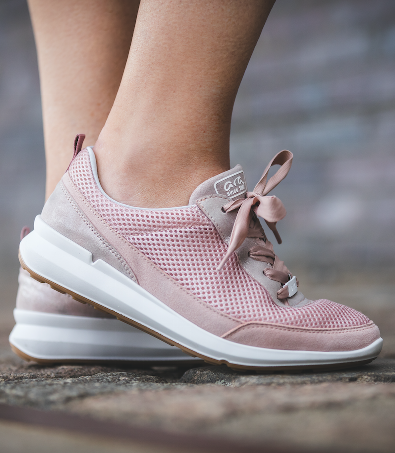 wholesale dealer 3b4a5 f7cc9 Schuhe für Damen: Für jeden Damenfuß das richtige Modell ...